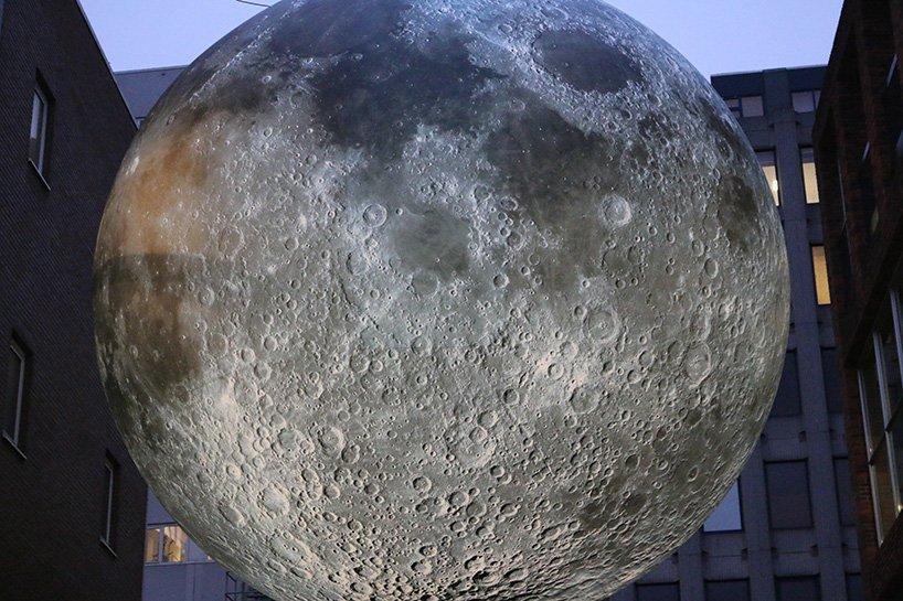 luke-jerram-museum-of-the-moon-designboom-011