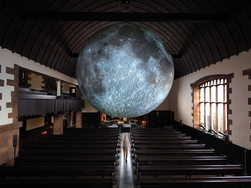 luke-jerram-museum-of-the-moon-designboom-5