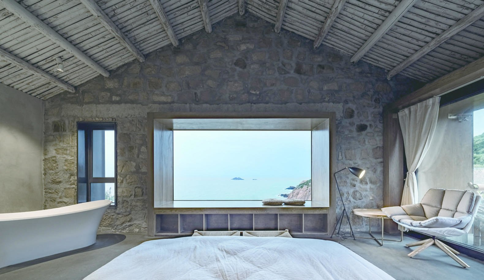 the-master-bedroom-overlooks-panoramic-views-of-the-east-china-sea