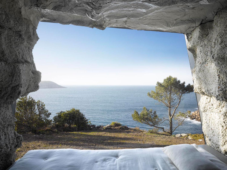 The-Truffle-Costa-da-Morte-Spain-by-Ensamble-Studio-Yellowtrace-04