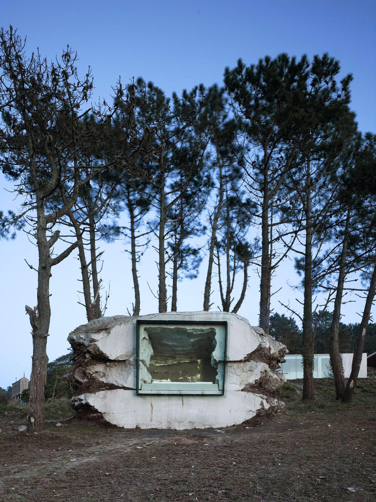 The-Truffle-Costa-da-Morte-Spain-by-Ensamble-Studio-Yellowtrace-12