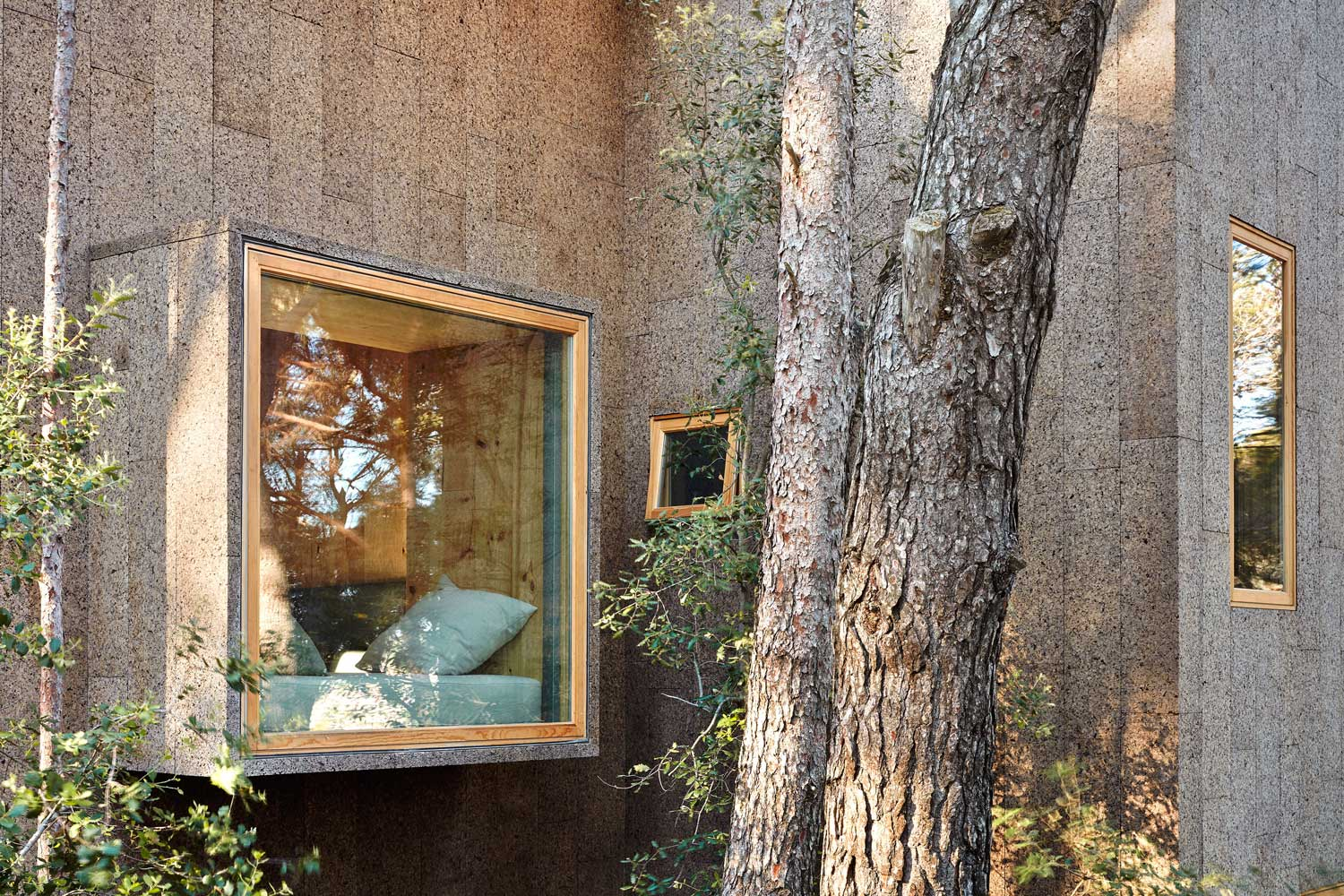 Two-Cork-Houses-Palafrugell-Costa-Brava-by-Lopez-Rivera-Architects-Yellowtrace-04