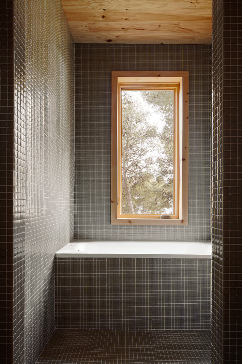 Two-Cork-Houses-Palafrugell-Costa-Brava-by-Lopez-Rivera-Architects-Yellowtrace-09