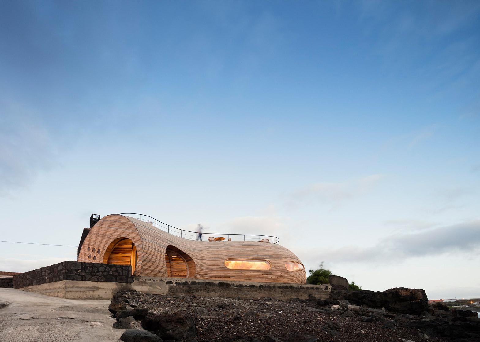 Cella-Bar_FCC-Arquitectura-Paulo-Lobo_dezeen_1568_58