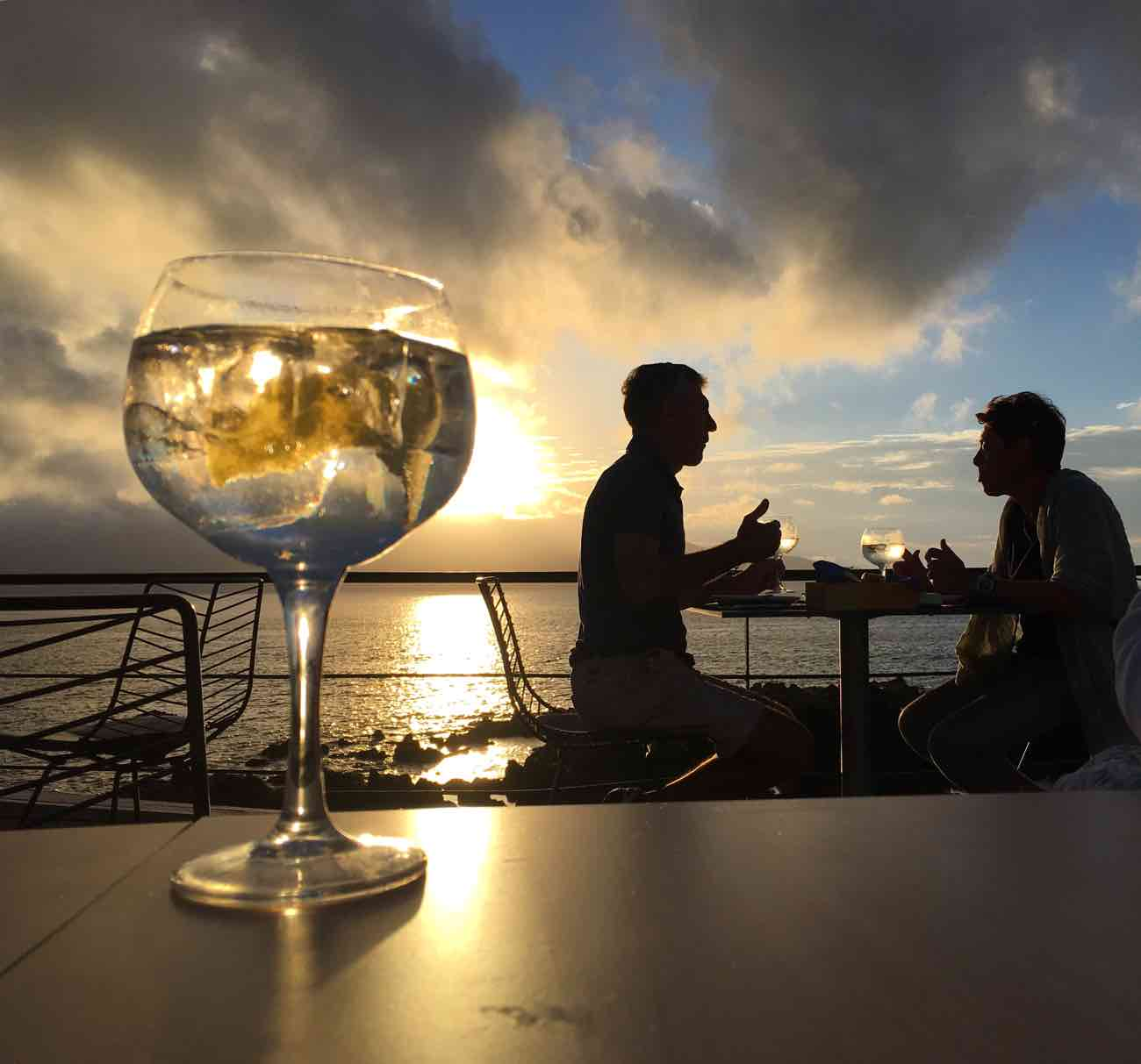 things-to-do-in-pico-azores-drinks-cella-bar-view