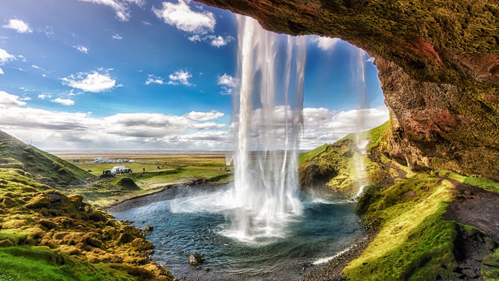 Seljalandsfoss-waterfall-HD