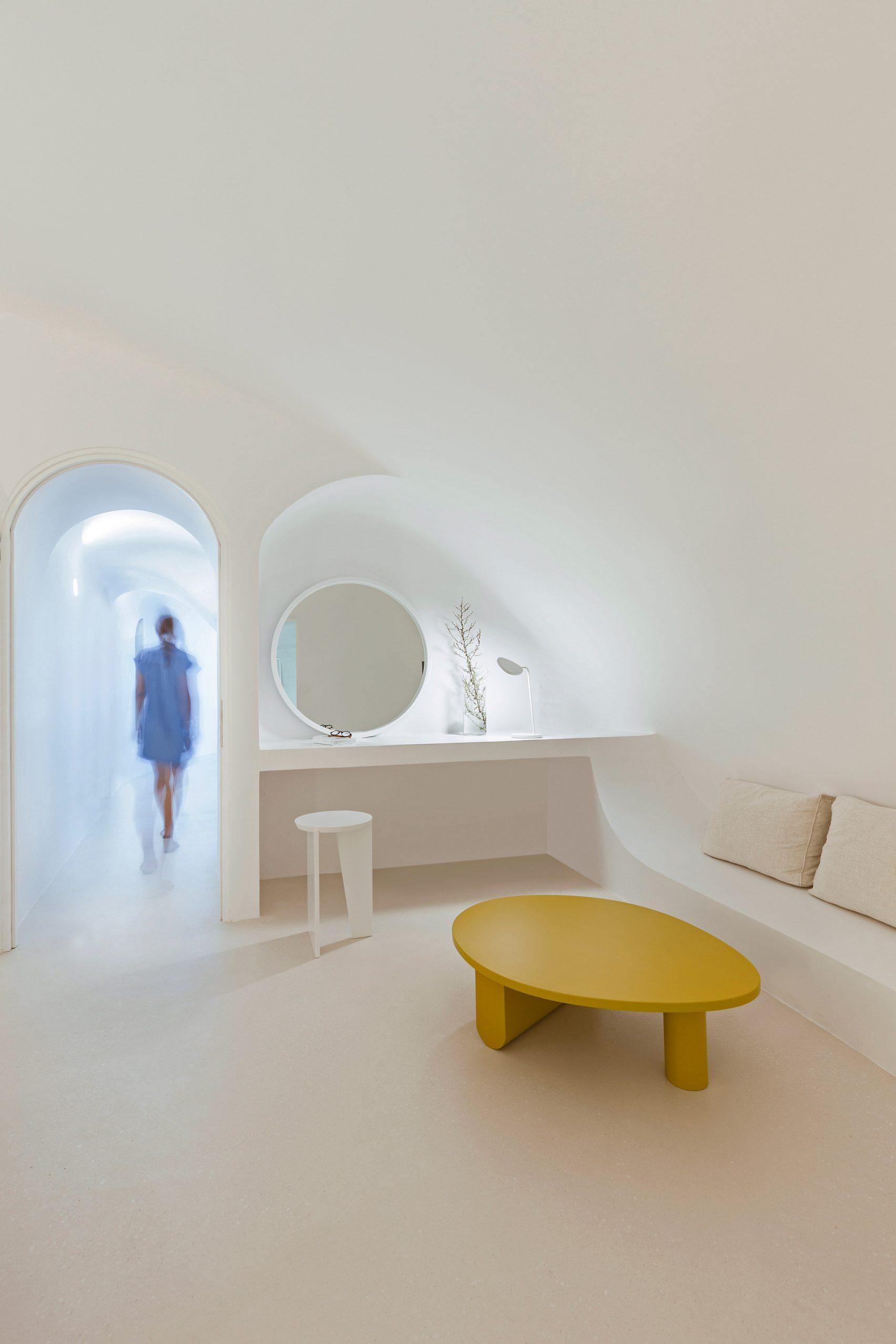 summer-residence-santorini-kapsimalis-architects-greece-architecture_dezeen_2364_col_10-1704x2556