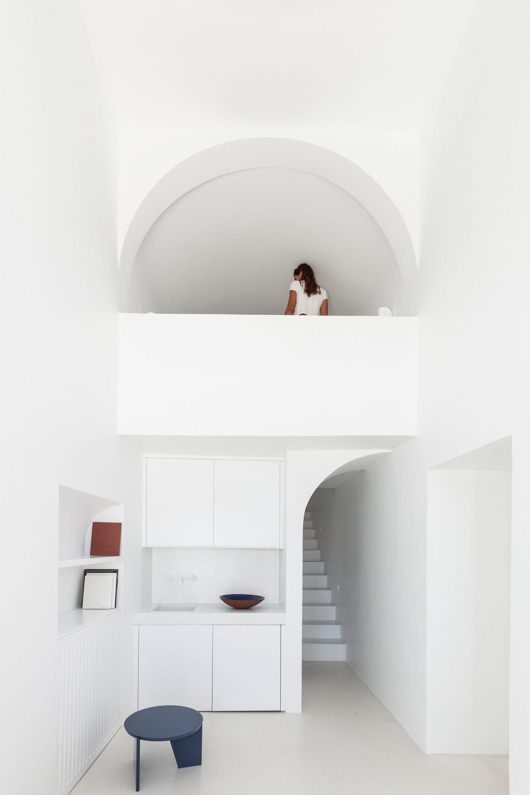 summer-residence-santorini-kapsimalis-architects-greece-architecture_dezeen_2364_col_19-1704x2556