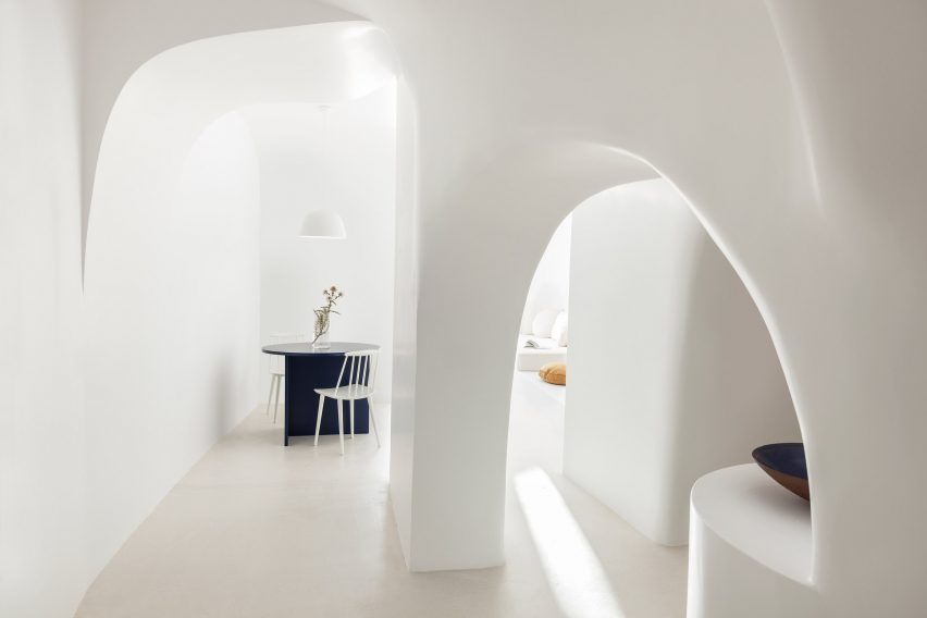 summer-residence-santorini-kapsimalis-architects-greece-architecture_dezeen_2364_hero-852x568