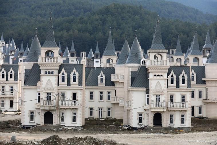 turkey-castle-ghost-town-4