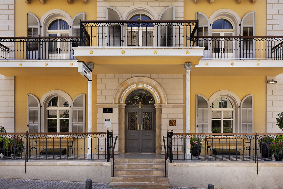 1497_Assaf Pinchuk photography - Hotel entrance