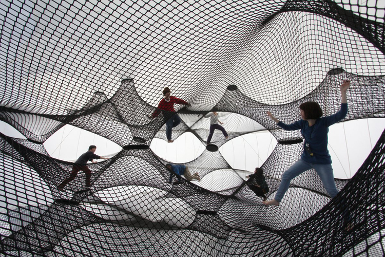 Interactive-Art-Installation-People-Play-Art-Suspended-4A