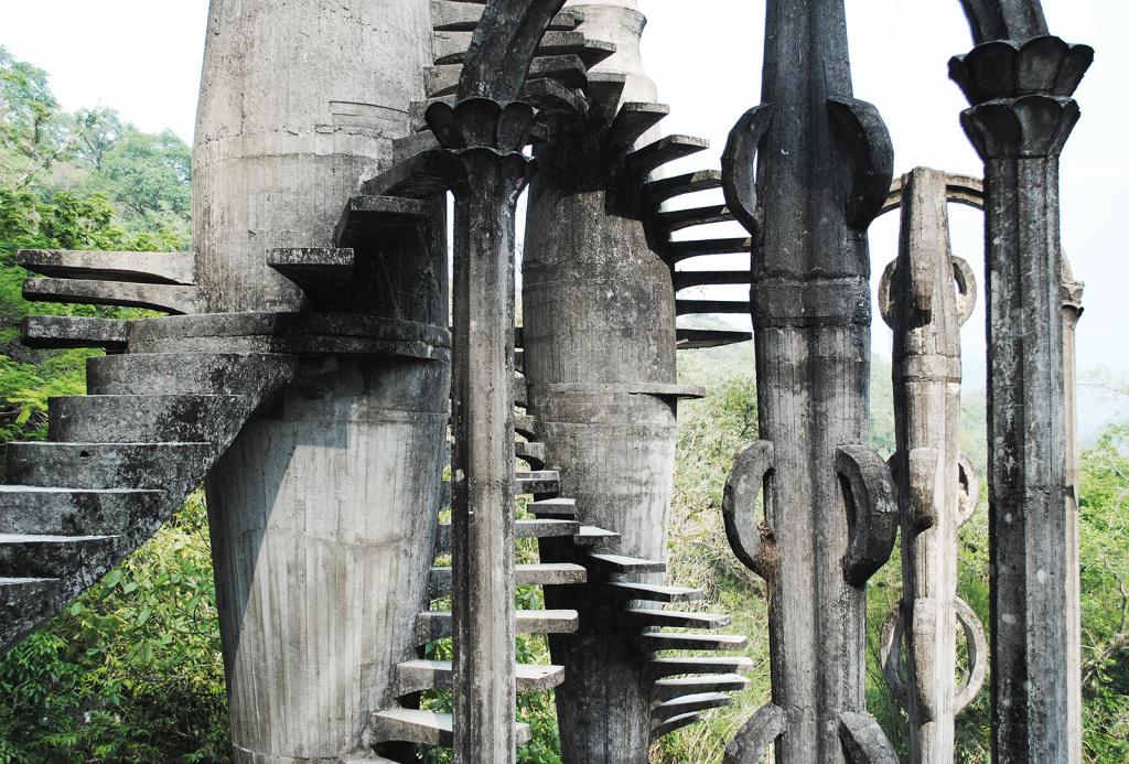 גן הפסלים Edward James' Las Pozas in Xilitla, Mexico