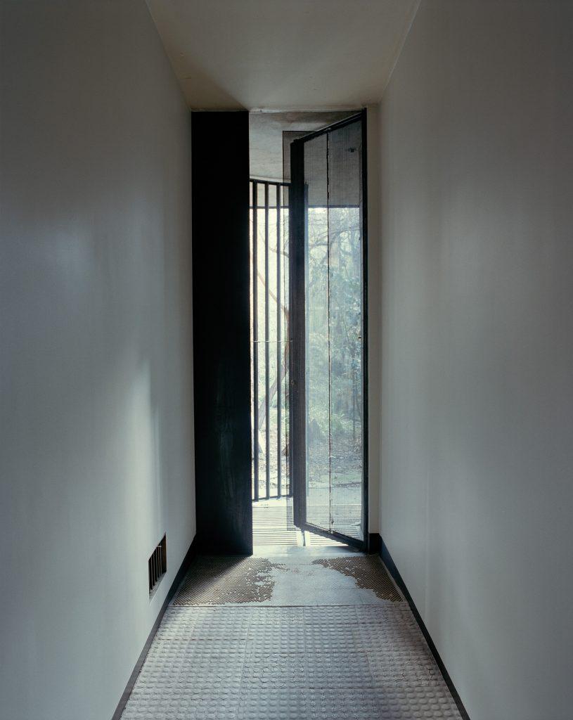 Maison_De_Verre_02-815x1024