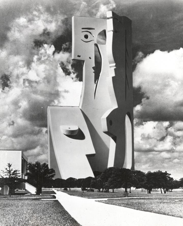 פסל בטון הגבוה בעולם משל פיקסו, יבנה 50 שנה לאחר יצירתו