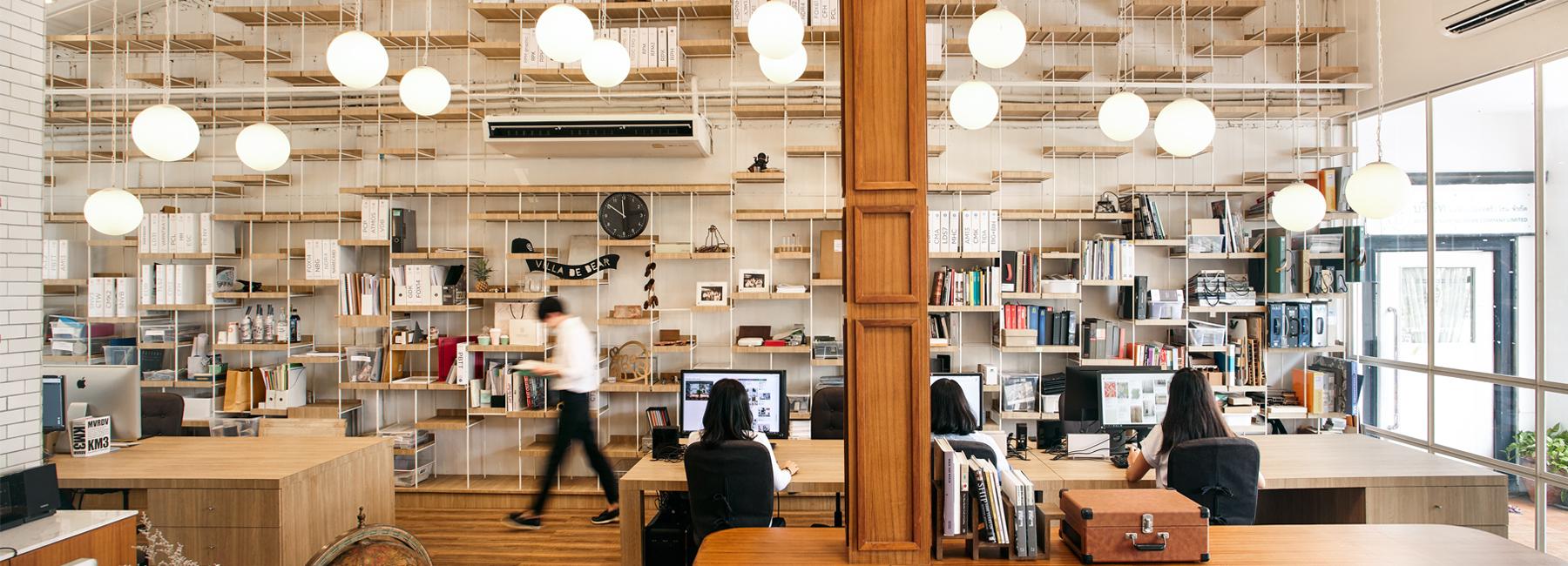 משרדים של משרד לתכנון מסעדות, עוצב כבית קפה גדול