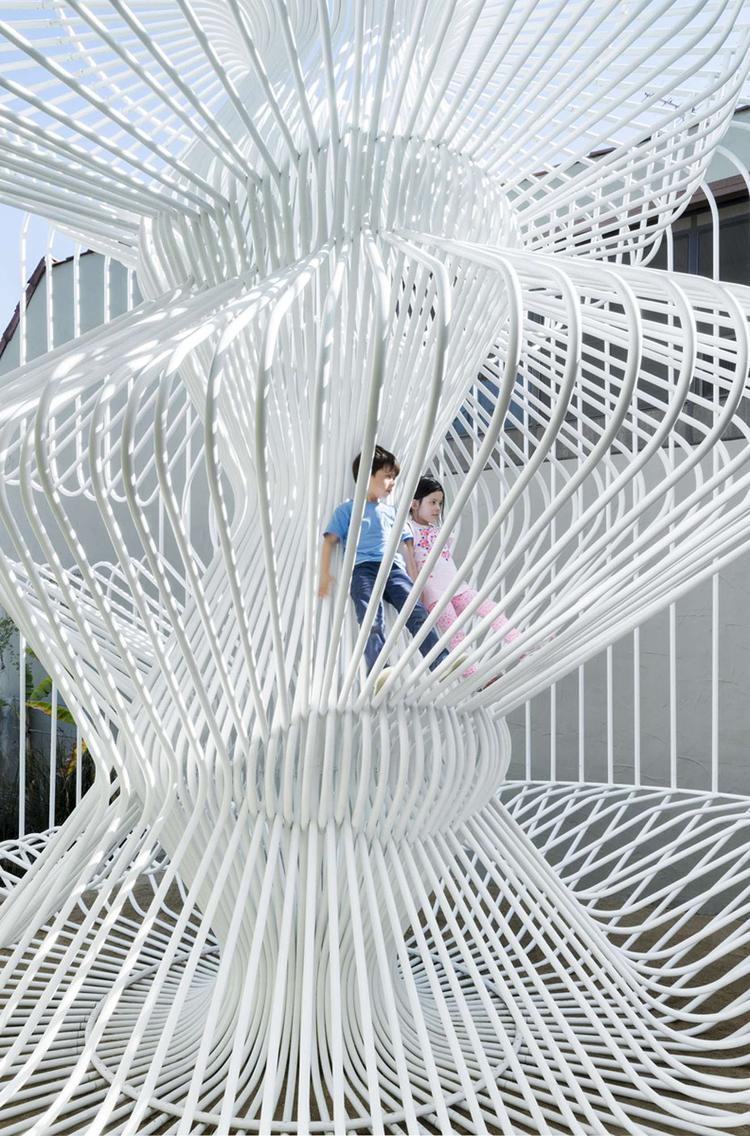 la-cage-aux-folles-tube-installation-wtarch-Materials-Applications-Los-Angeles-art-1