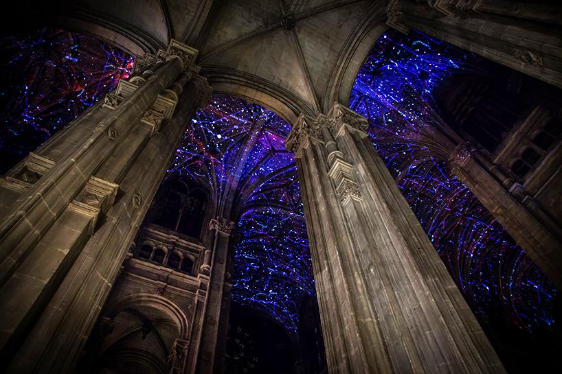 הכנסייה שבה אפשר לראות את האור