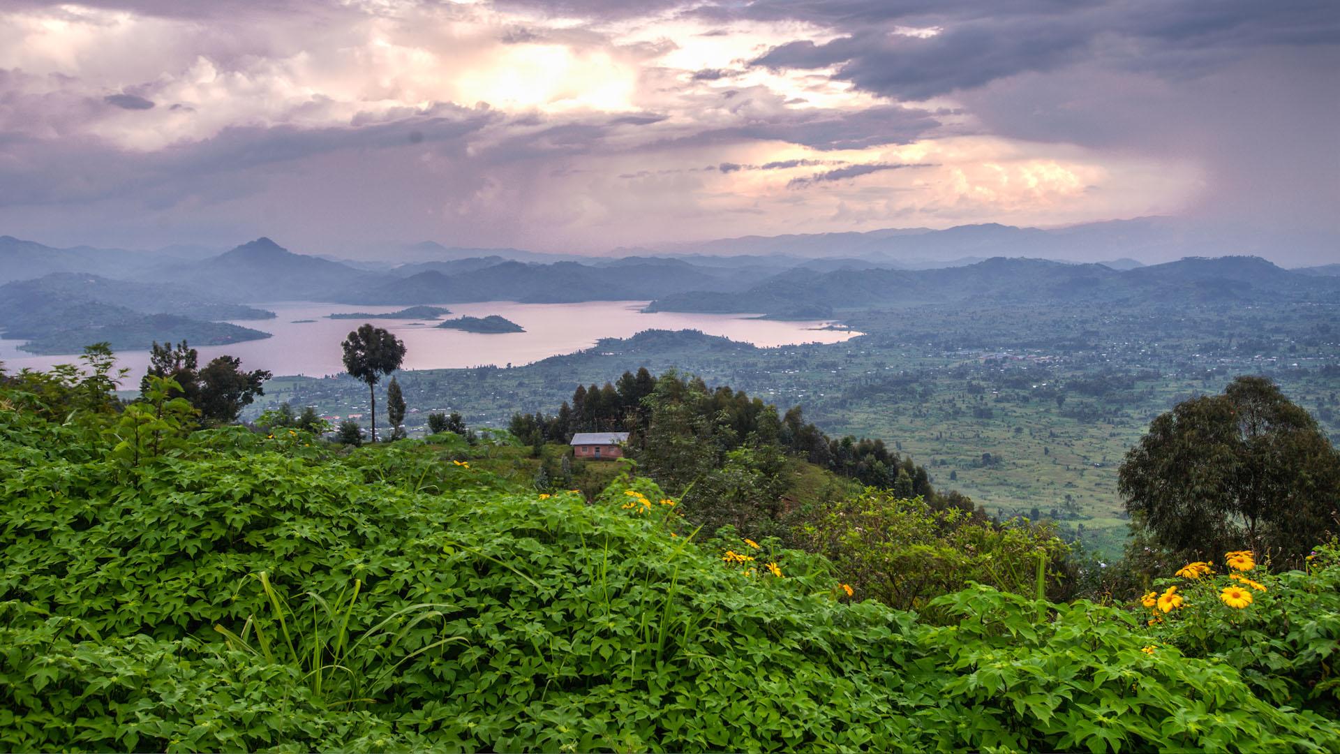 rwanda-volcanoes-virunga-lodge-randazoo-view-landscape1