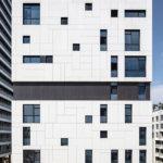 חיבור מגדל מגורים בסגנון אקלקטי לסגנון עכשווי