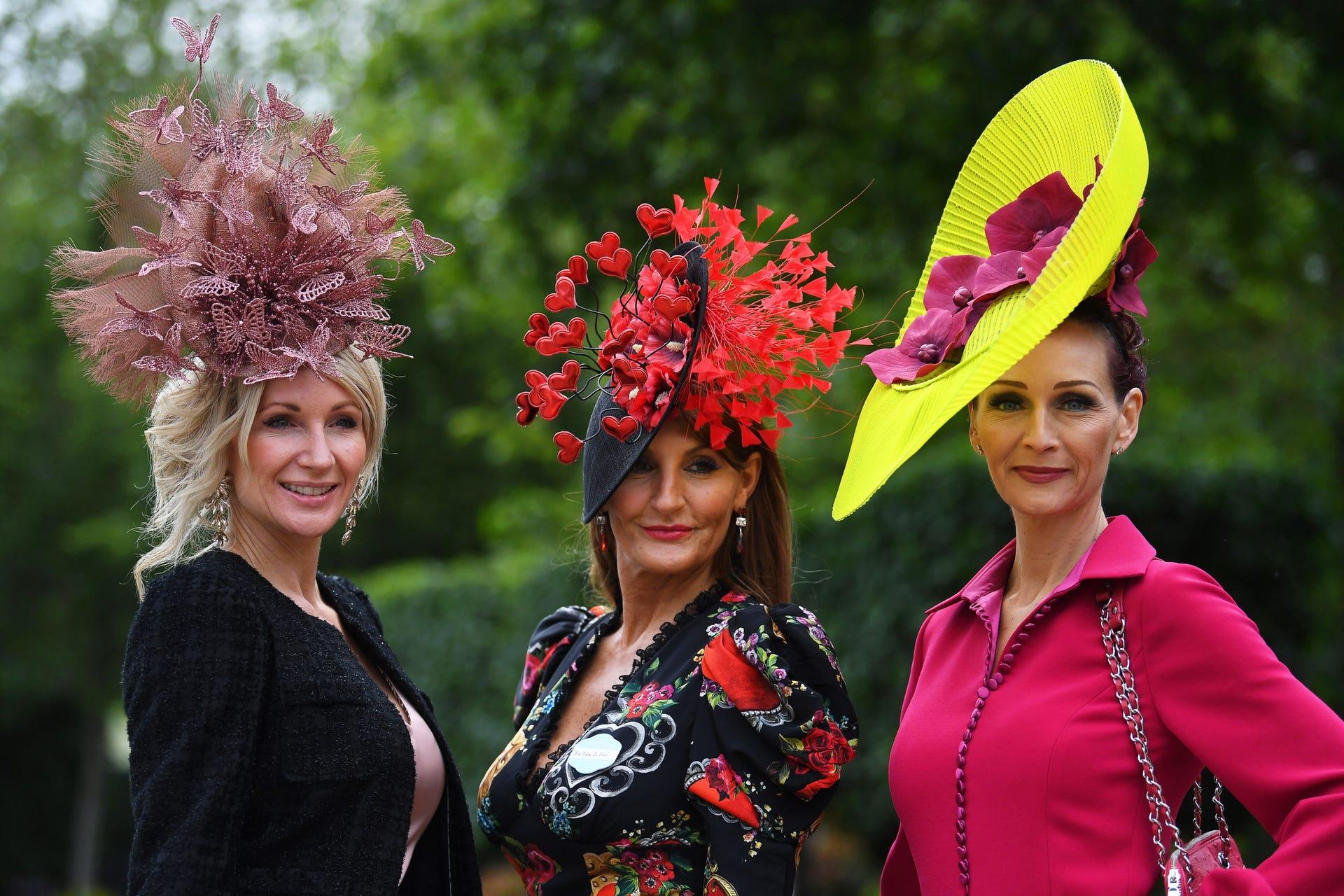 הכובעים הכי יצירתיים במירוץ הסוסים המלכותי באנגליה 2019