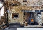 משרד חדש בחורבה ישנה, שבנה זוג אדריכלים באנגליה