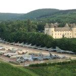 בן 87 מחזיק באוסף הגדול בעולם של מטוסי קרב, בטירה שלו בצרפת
