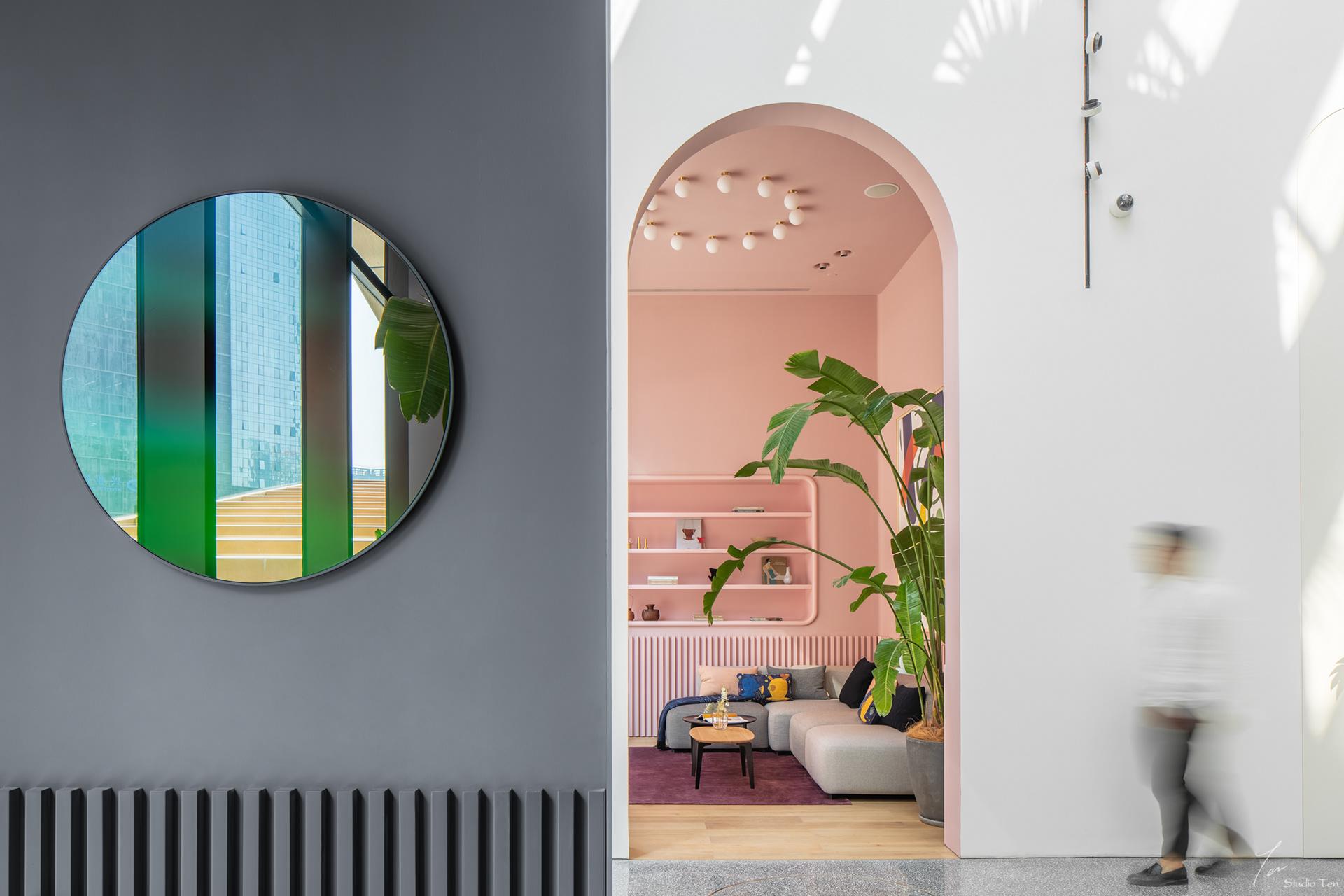 גלריה בעיצובו של Jaime Hayon