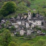 הכפר השווייצרי Corippo כולו – עומד להפוך לבית מלון גדול אחד