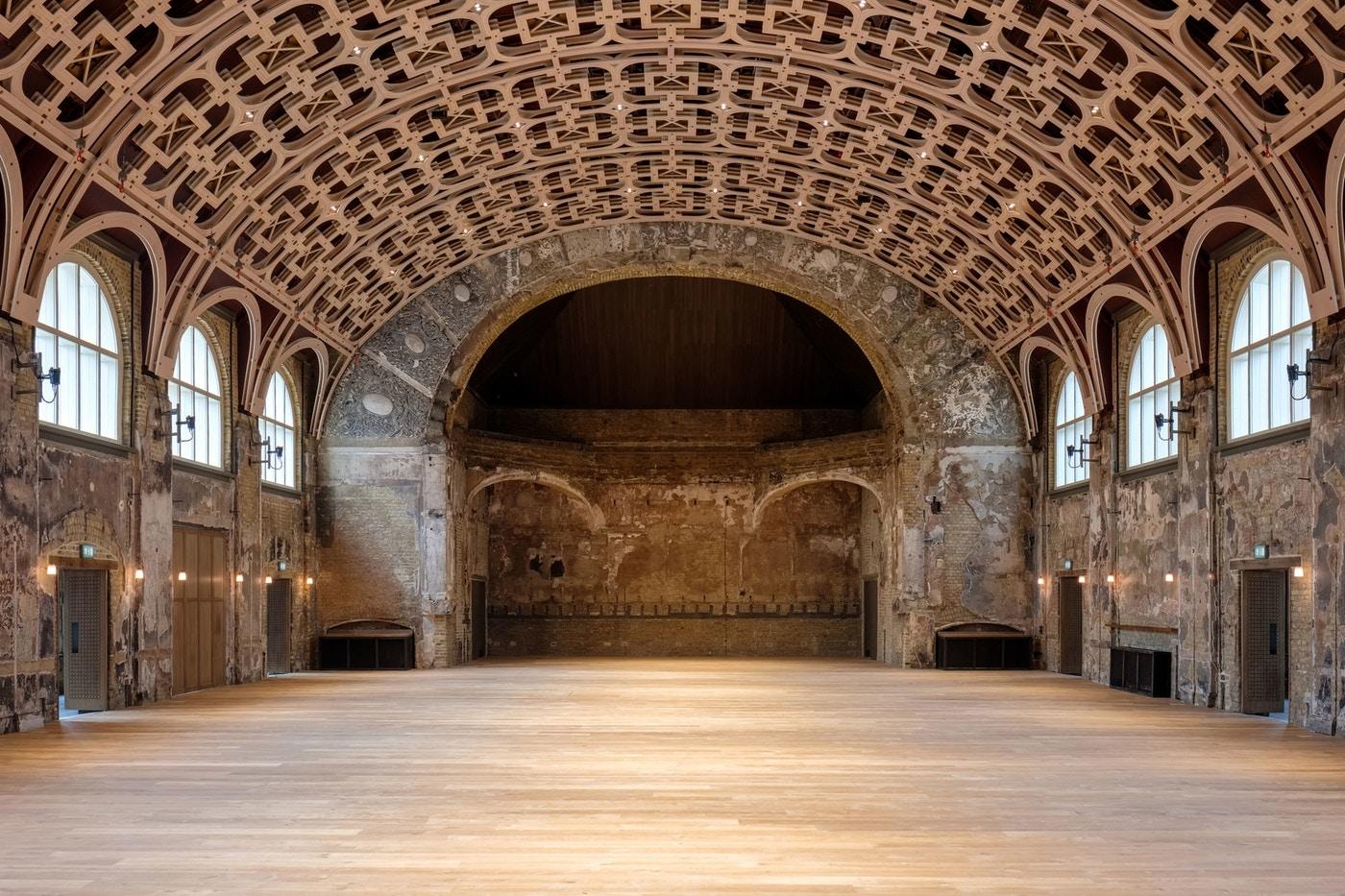 שימור התיאטרון Battersea Arts Centre BAC, לונדון