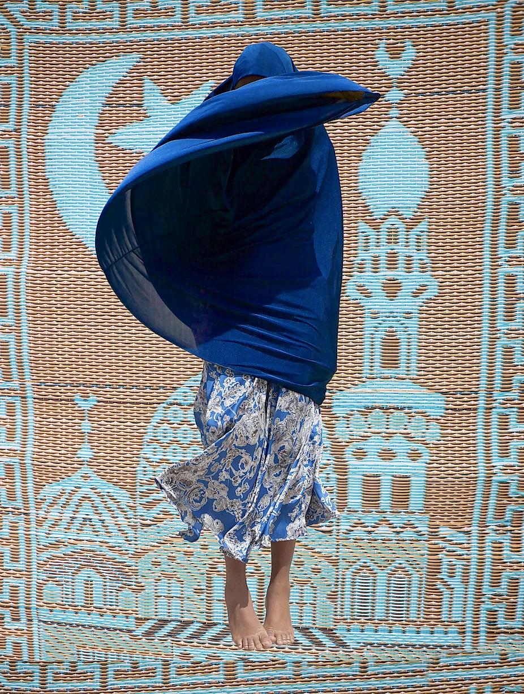 נשים בלגוס הלובשות את החיג'אב כחלק מביטוי עצמי