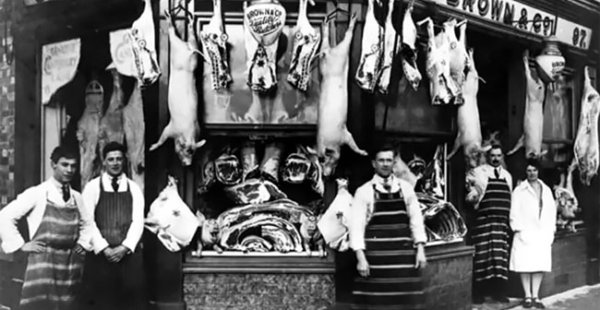 צילומי וינטג' מראים איך נראו חזיתות אטליזים בעידן הוויקטוריאני