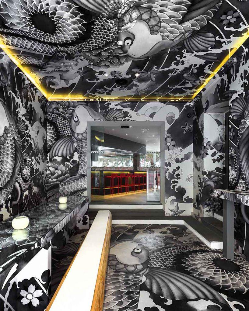 מסעדה יפנית בהשראת הקעקועים של כנופיות המאפיונרים מהיאקוזה