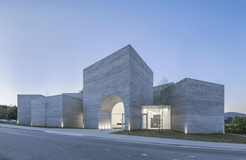 עבר ועתיד במוזיאון Interpretation Centre of Romanesque