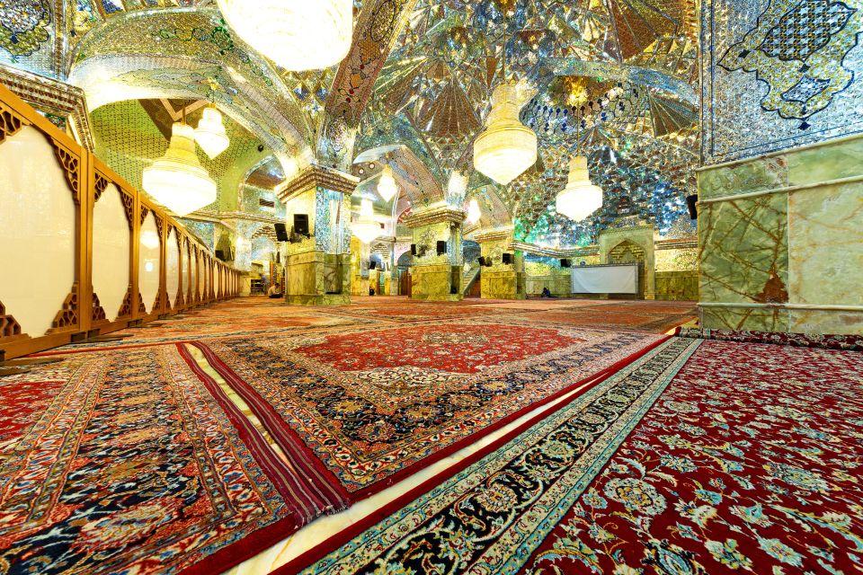 המאוזוליאום הנוצץ של שאח-א-שראח באיראן