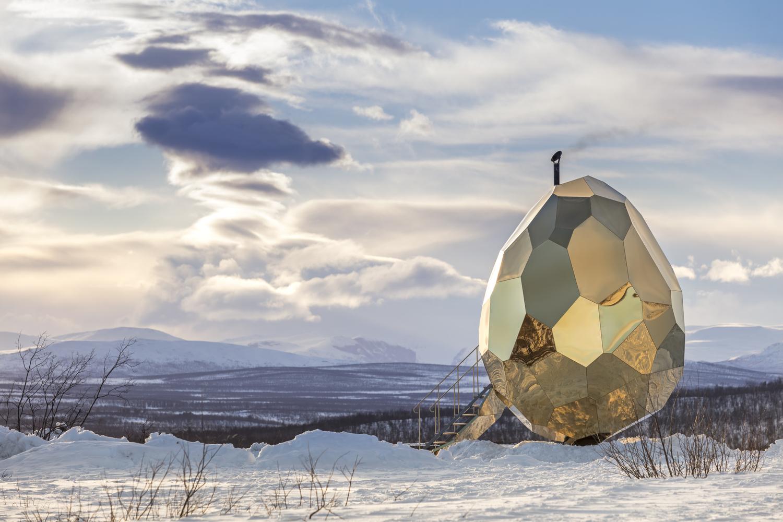 סאונה ניידת בצורת ביצה מזהב