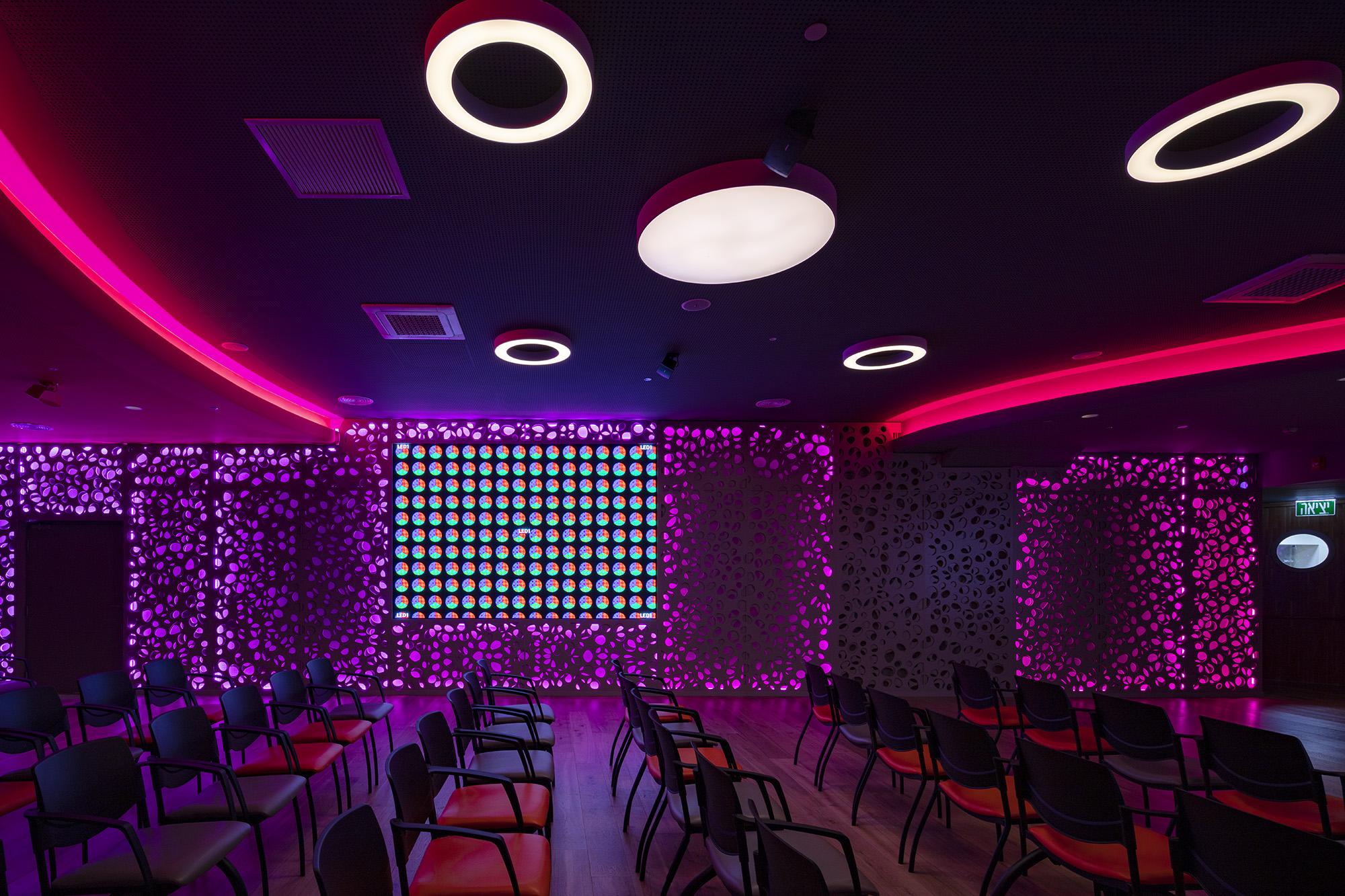 בית תרבות לדיור מוגן בתל-אביב
