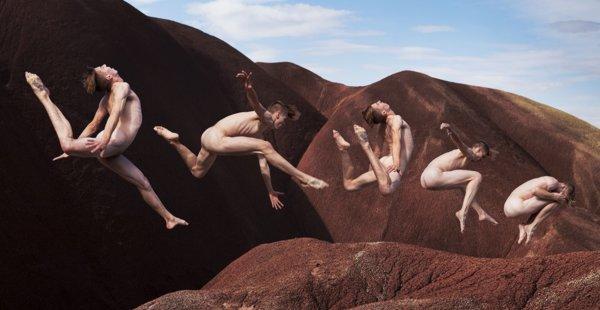 צילומי רקדנים המתריסים נגד כח המשיכה