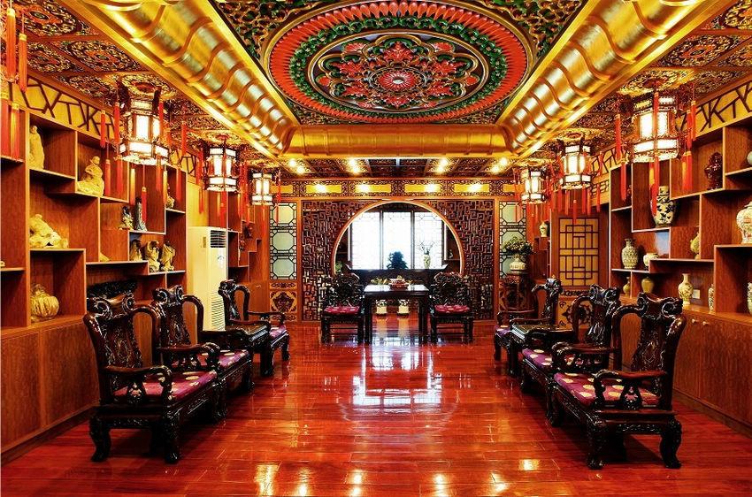 מפעל התרופות הסיני עוצב כמו ארמון ורסאי