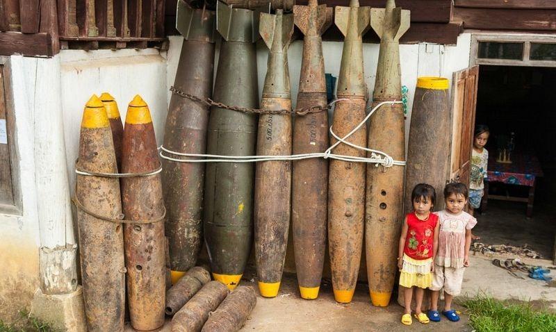 נפל של פצצות ממוחזר לשימוש יומיומי בכפרי לאוס