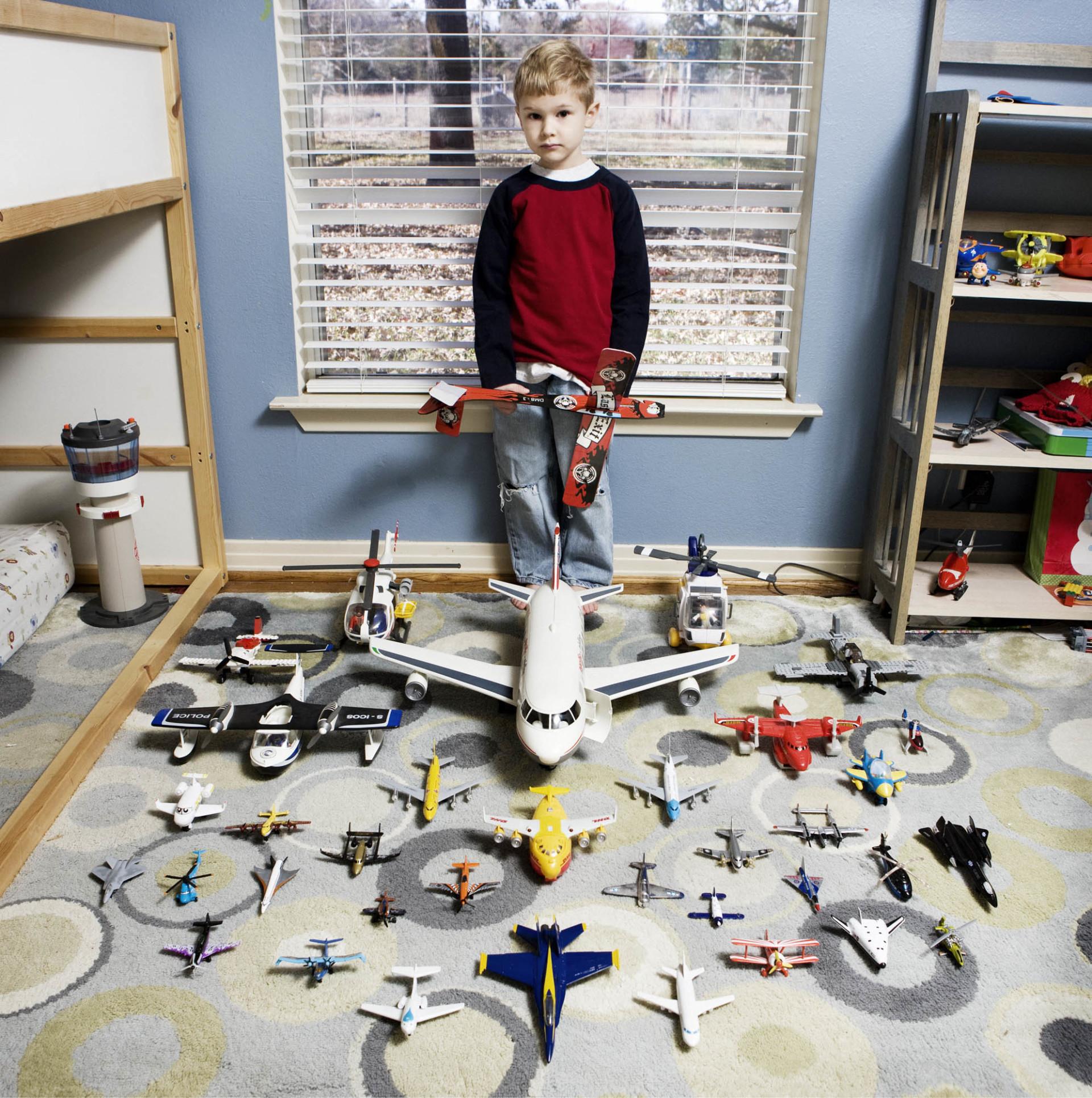 ילדים מ-50 מדינות והצעצועים האהובים שלהם