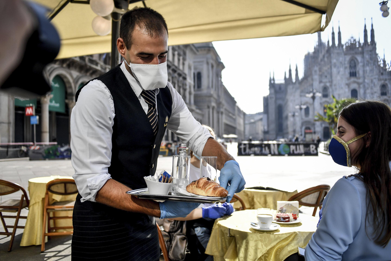מחיצות, מסכות ודובים – מראה המסעדות בעולם שאחרי הקורונה