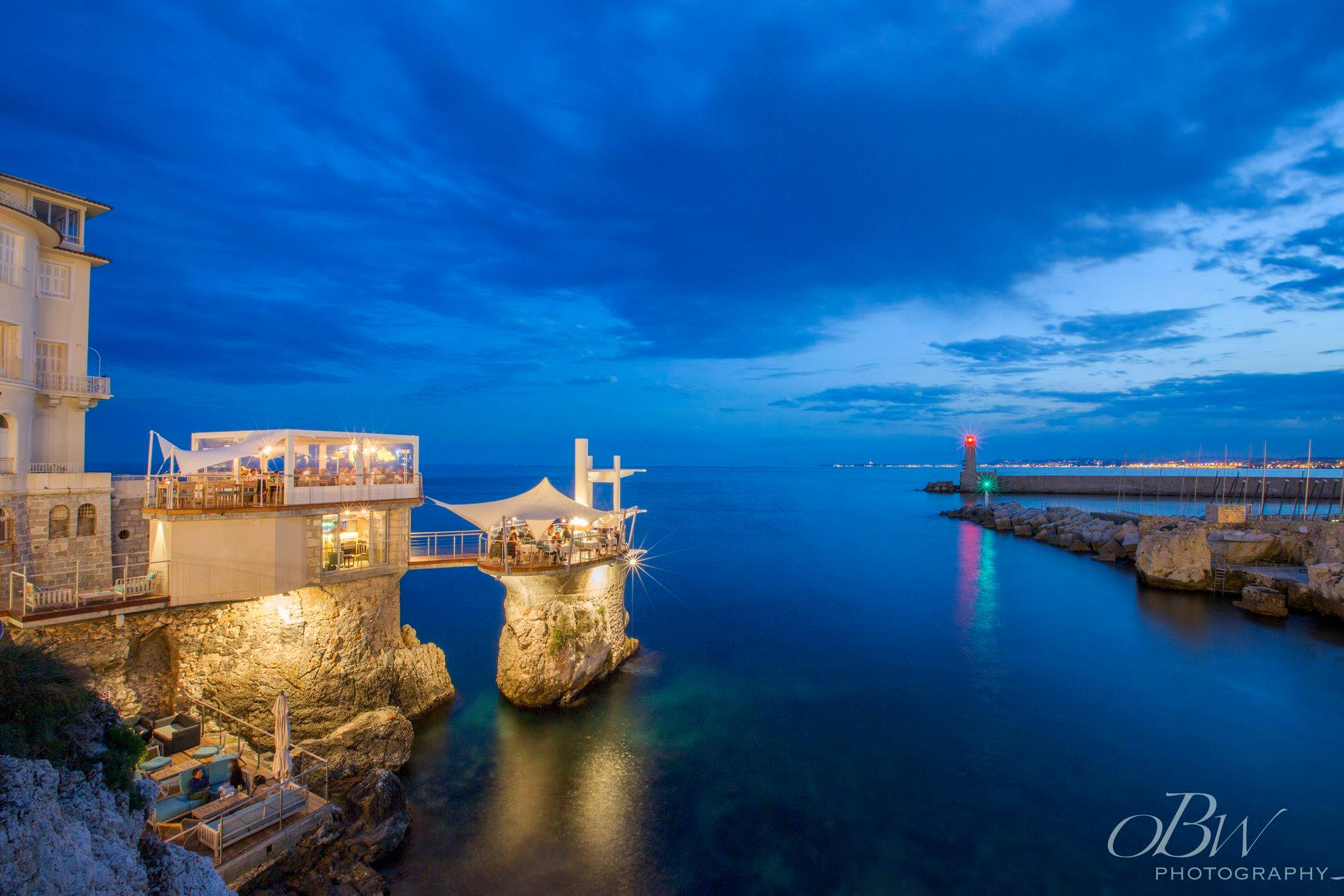 מסעדה בת 200 שנה, בסירת מפרש באוויר: Le Plongeoir Nice