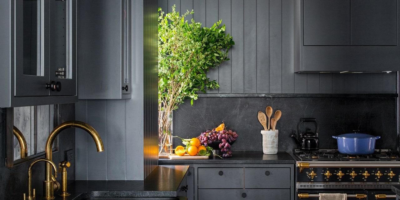 איך שחור הפך להיות הצבע השולט במטבחים