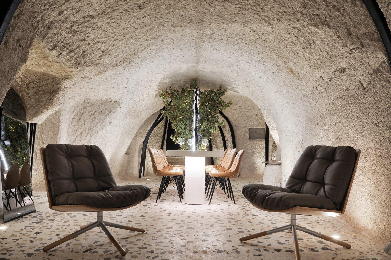 לופט נופש מודרני במערה קדומה בטורקיה