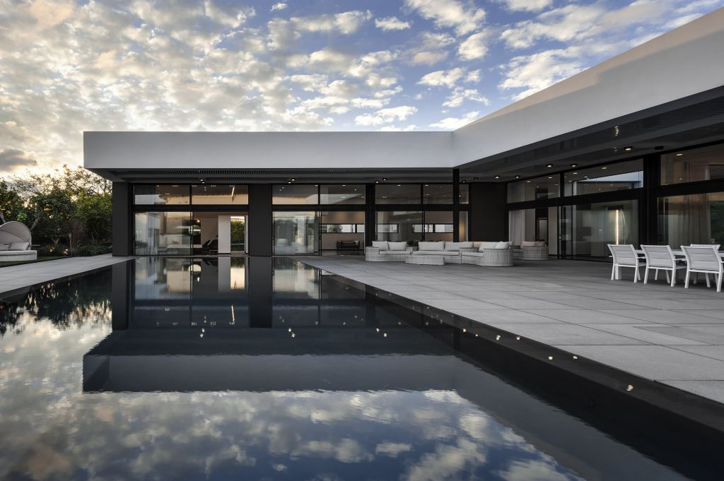 ישראלביץ' תכננו בית חדש, לדיירי הבית הראשון שתכננו כאדריכלים