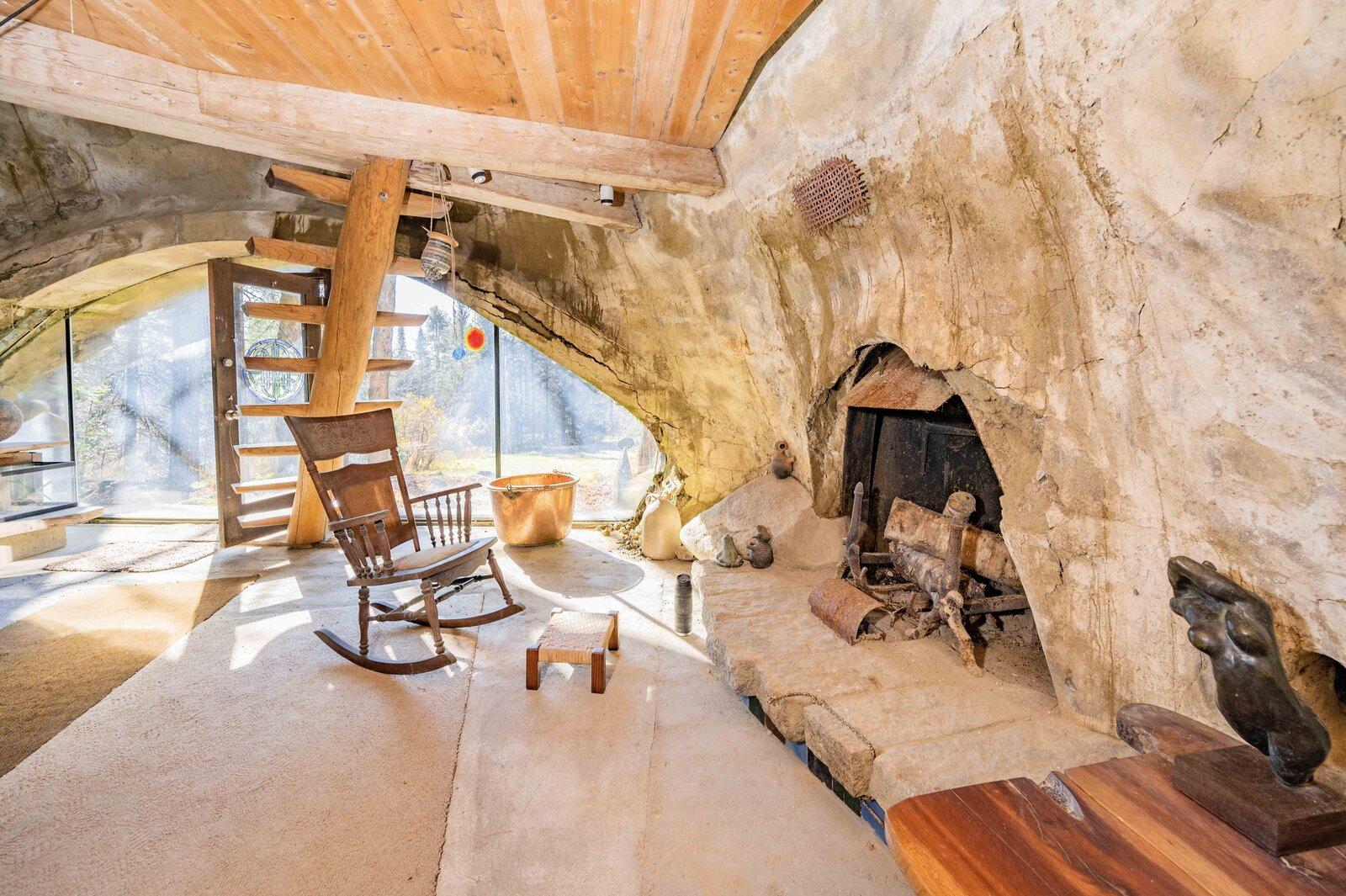 בית שאדריכל בנה בעבודת יד מחומרים טבעיים