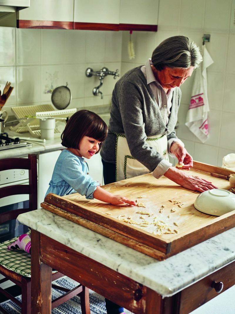 הכירו את הסבתות האיטלקיות המכינות את הפסטה הנדירה ביותר בעולם