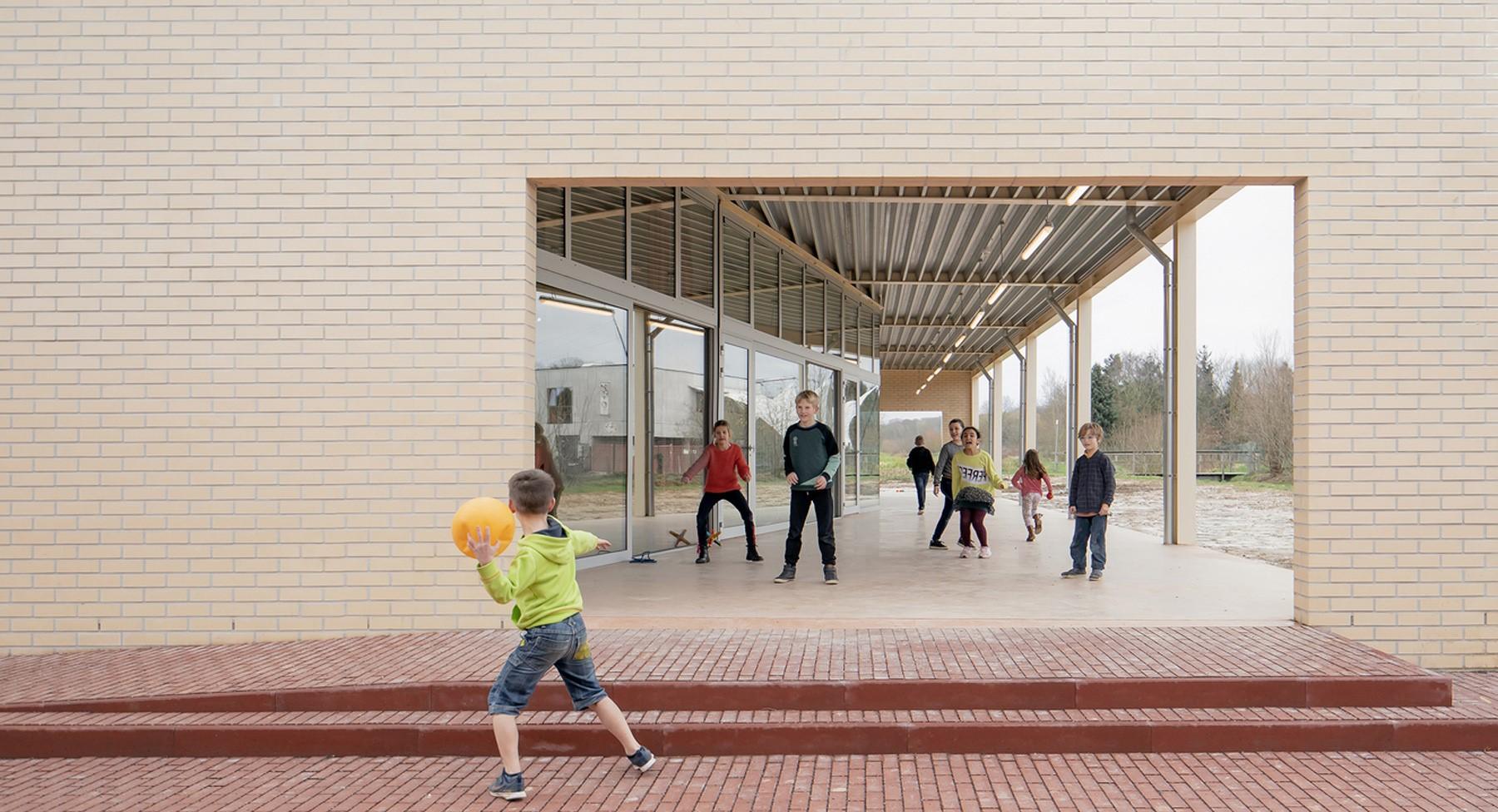 מפגש 19: אדריכלות בונה קהילה