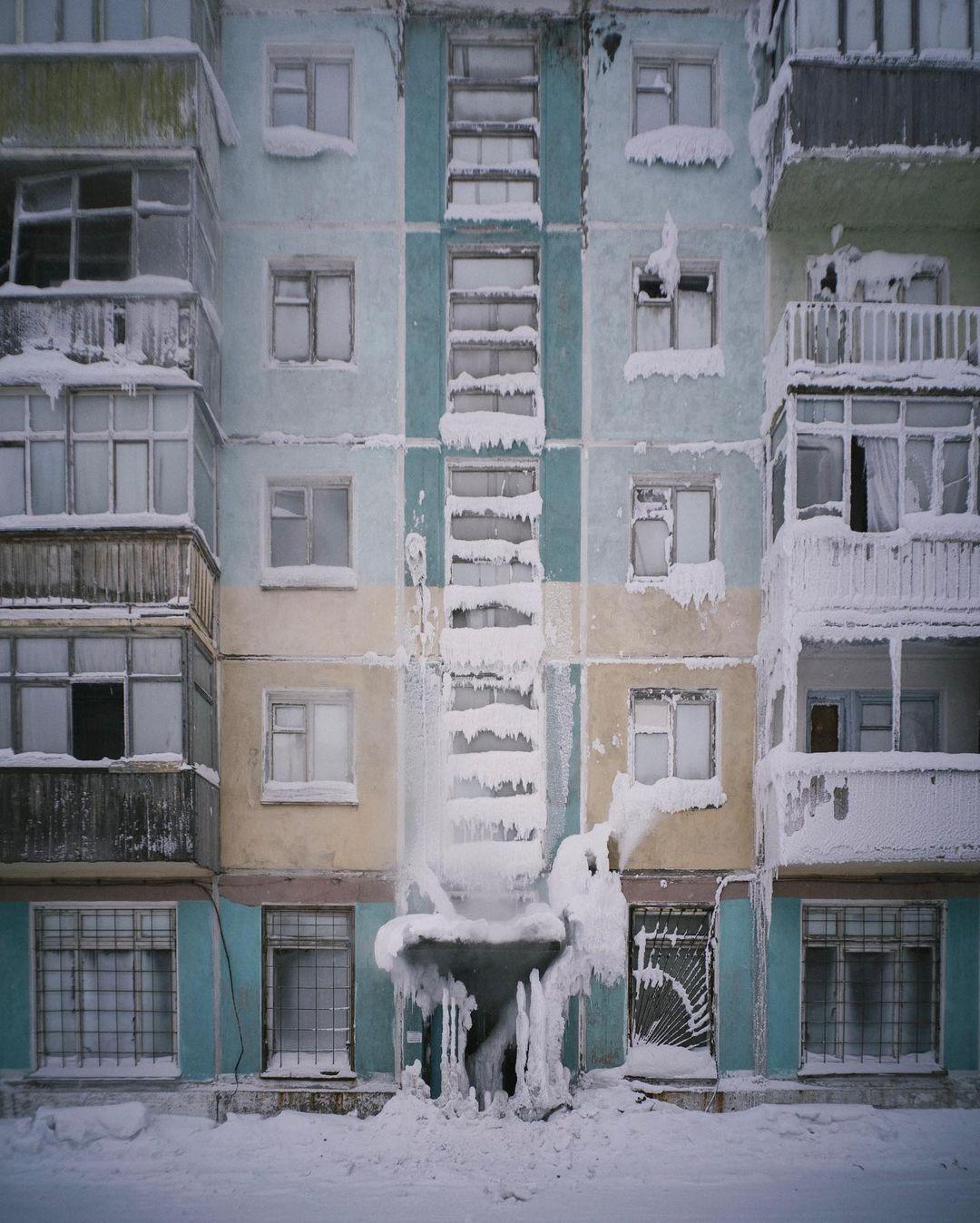 דירות קפואות: תמונות מדהימות מלב העיר הקרה ביותר באירופה